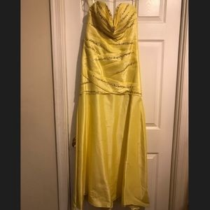 Dresses & Skirts - Yellow sweetheart strapless formal dress, 8
